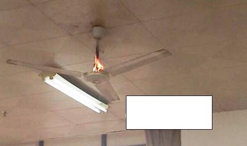 江西师大图书馆电风扇著火 自习室暂关闭