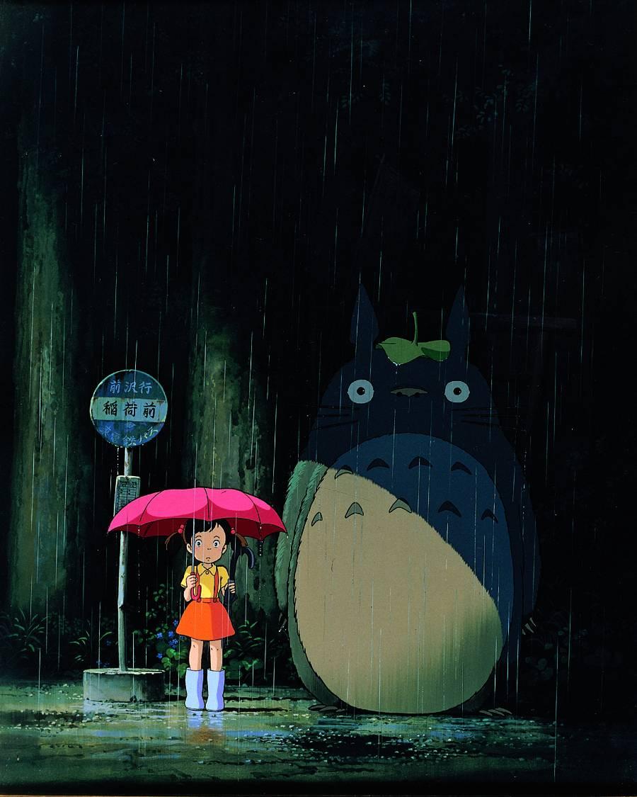 """文字 龙猫/《龙猫》,雨天的傍晚,小梅在一个叫""""稻荷前""""的站台等车,她..."""