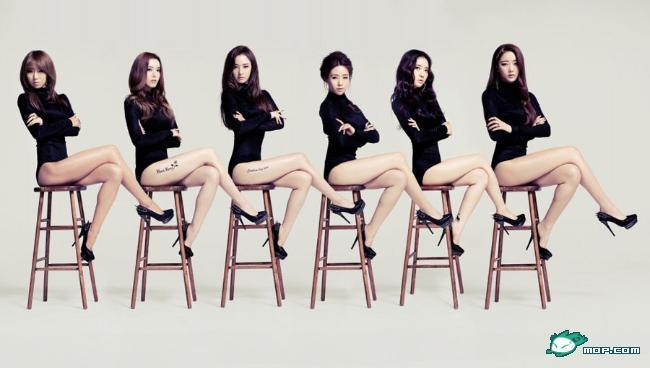 韩国女子天团大秀性感美腿