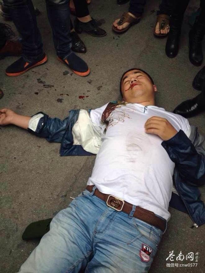浙江城管打人遭围殴 官方称系临时工