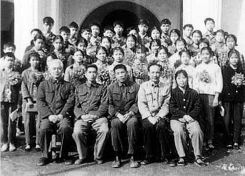 1977年的毕业生中有许多人参加了高考 中国江苏网图片