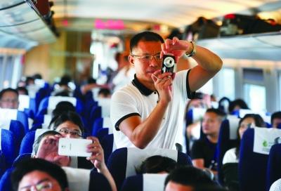 记者坐上了沪昆高铁长沙至南昌