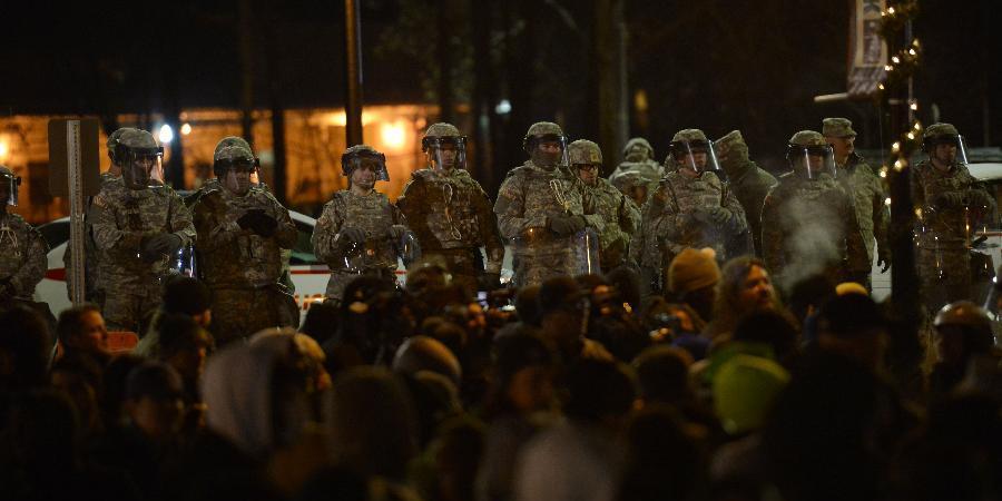 美国增派1500名国民警卫队应对弗格森骚乱