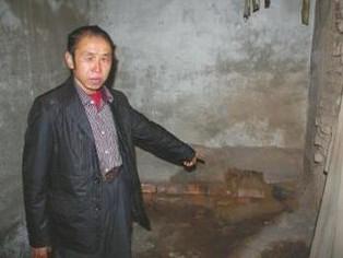 王本余冤狱18年:150万赔款基本被借 出狱前11天母亲去世