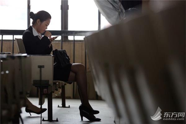 东航(上海地区)空中乘务员和乘务兼航空安全员,日前面向全国开招