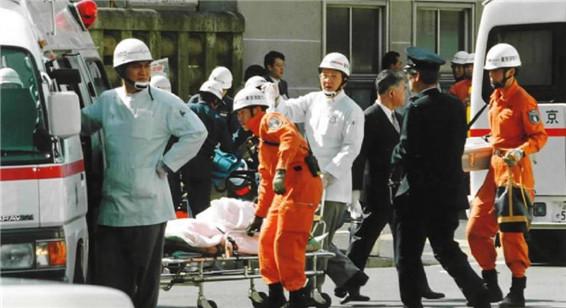 日本東京地鐵沙林毒氣事件20周年圖片