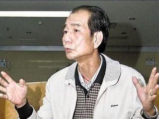 """广州区伯否认嫖娼:曾涉""""骗低保"""" 被人送洋酒行贿"""