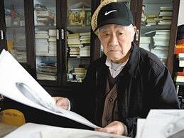8旬学霸爷爷大学画室蹭课6年 副院长:他的水平只入门