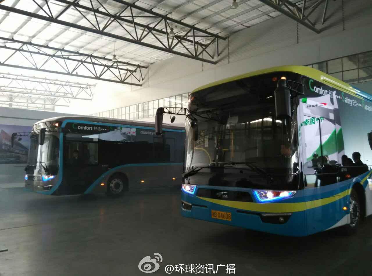 电车采用超级电容作为牵引供电源,可在每站设置地面充电装置,列车进站