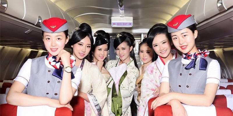 史上最唯美毕业照走红 成都学霸宿舍出了八空姐