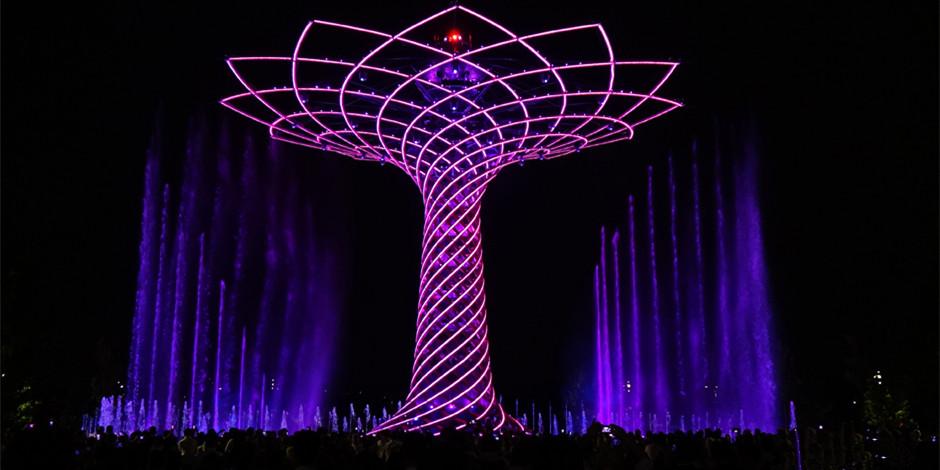 米兰世博会:生命之树壮景引游客蜂拥而至