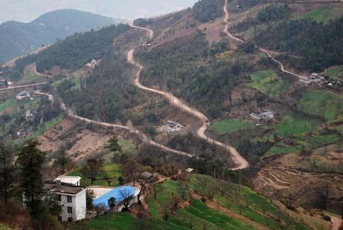 滇缅公路一角(摄于云南漾濞县境内)。