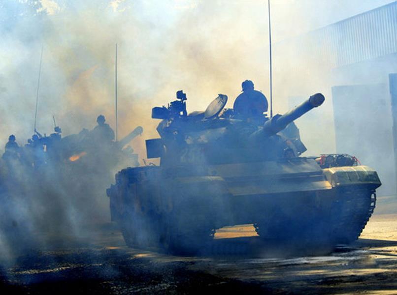现场直击:七大军区2014年度坦克大战训练照