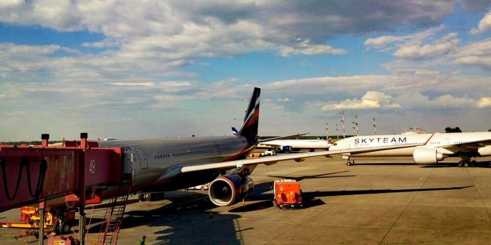 中俄红色旅行团飞抵莫斯科 俄罗斯时间正式开启