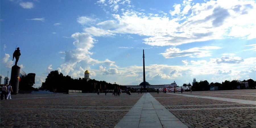 [红色篇]二战胜利广场:缅怀英烈 深感胜利不易