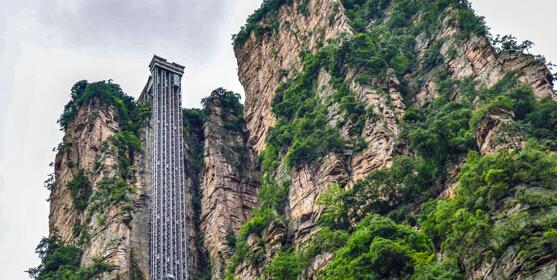 326米!张家界百龙天梯创吉尼斯纪录