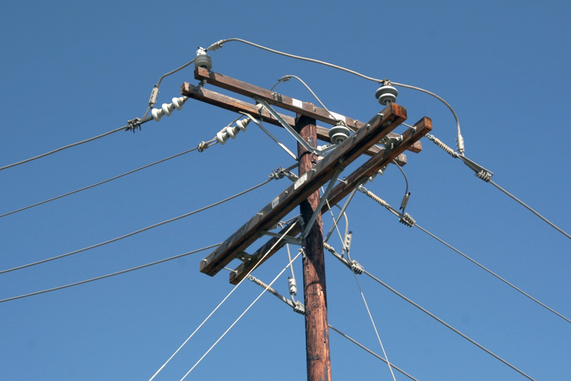 这个乡的电网原属于地方小水电