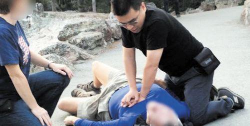 湖南医生美国救人被赞