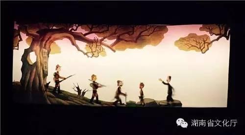 《王二小》拉开序幕,通过讲述放牛娃王二小帮助八路
