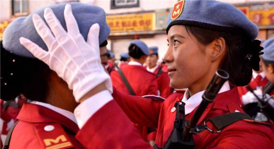 西藏自治区成立五十周年 官兵准备就绪