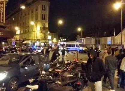 """巴黎袭击案细节:袭击者高喊""""为了叙利亚"""""""