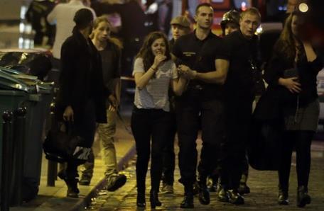 法媒:法国枪击爆炸事件造成60人死 上百人被劫持