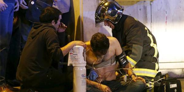 直击|法国巴黎袭击事件 百余人死亡