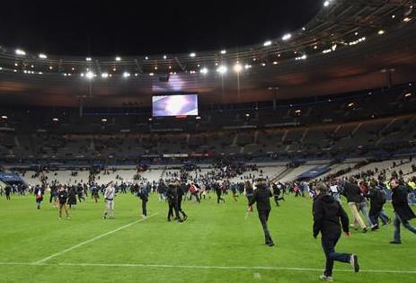 中国人亲历巴黎爆炸:球场被扔三颗手榴弹