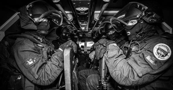 50名法国特种突击队员赶赴马里(组图)