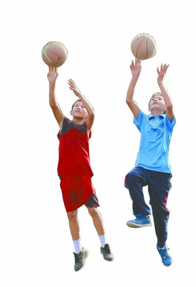 篮球托起留守儿童的梦想