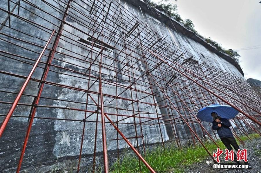 世界最大《金刚经》摩崖石刻在中国广西开建