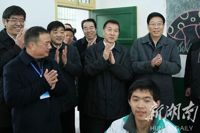 王勇在湘调研 兜住兜牢民生底线 安排好困难群众基本生活