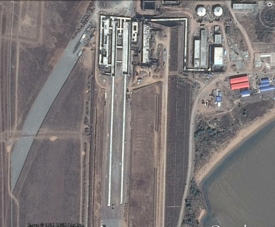中国第3套航母弹射器曝光 正建新跑道测试