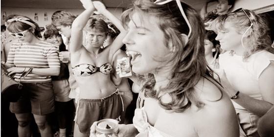"""80年代美国""""春假""""青年人玩什么"""