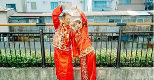 情侣花19万到日本拍婚纱照 看到照片后崩溃