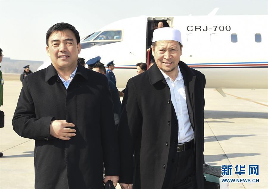 (两会)(1)来自宁夏回族自治区的全国政协委员抵京