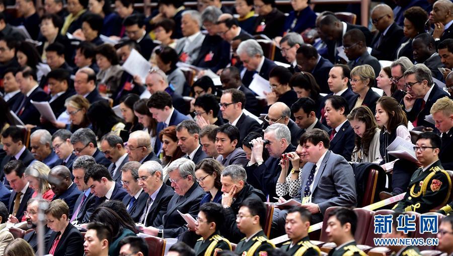 (两会·人大开幕)(9)十二届全国人大四次会议在京开幕