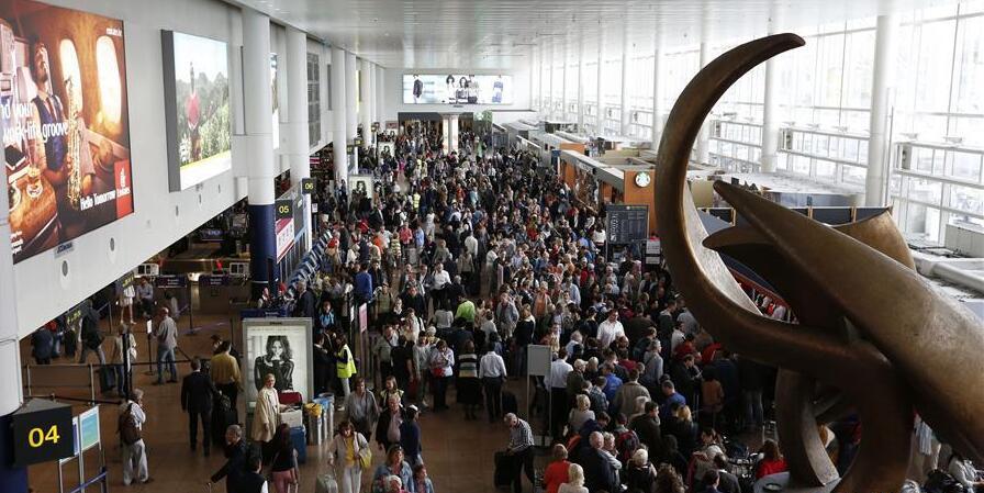 比利时布鲁塞尔机场发生爆炸造成人员伤亡