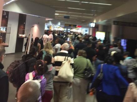 比利时机场已关闭 爆炸造成数人死伤(图)