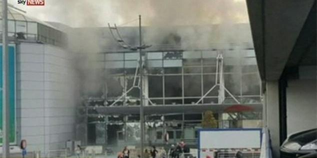 布鲁塞尔机场发生两次爆炸 数百名乘客被滞留