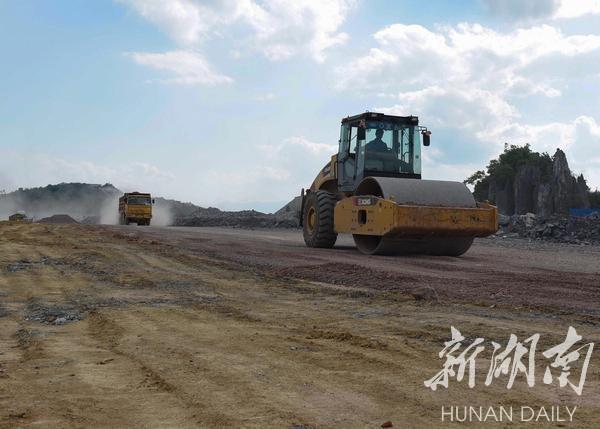 武冈机场连接线建设进度紧密跟进