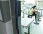 常德一女生高考突发疾病 备考室里边输液边答题