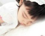 孩子打呼噜当心越长越丑 家长要及时治疗孩子鼻炎