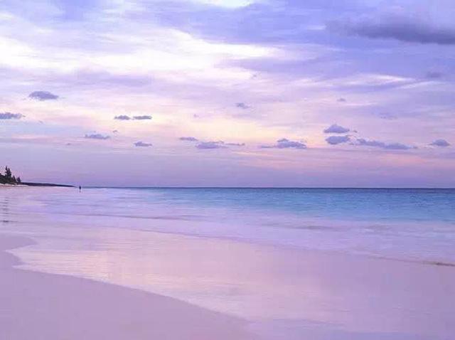 湖蓝海边风景图片