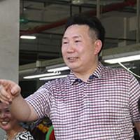 谢玉辉:企业家返乡当村官打造华西村