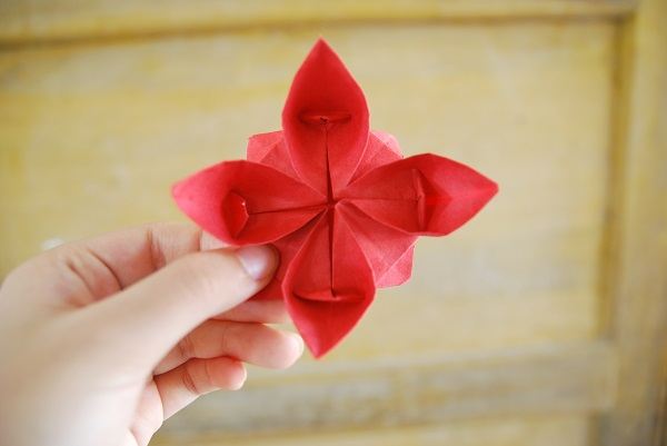 立体纸花球折法步骤图解