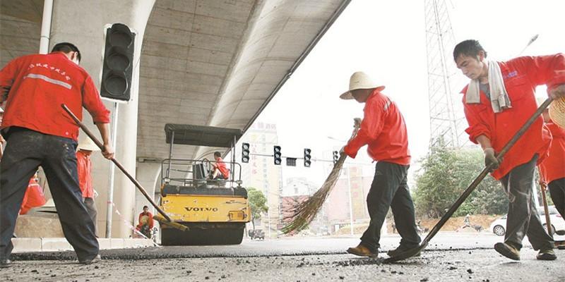 长沙万家丽路地面辅道已完成85% 8月31日前还路于民