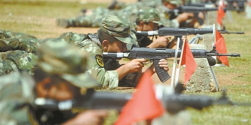 战高温 练精兵――武警湖南总队预提指挥士官集训