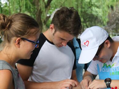 杭州122个微笑亭服务G20 国际志愿者更添国际范儿