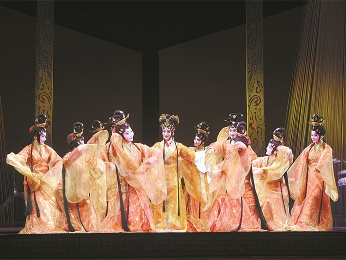 大型京剧历史剧《辛追》在北京长安大戏院上演